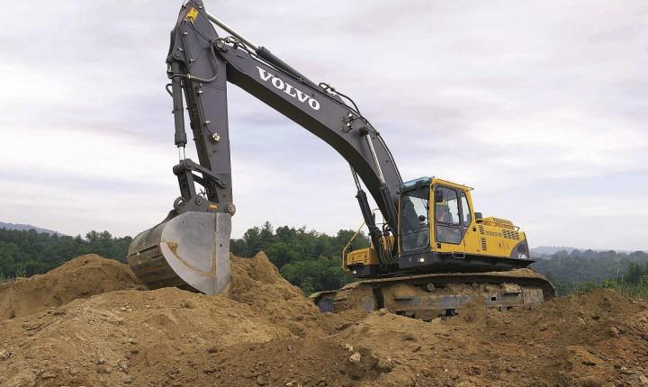 Volvo_excavator